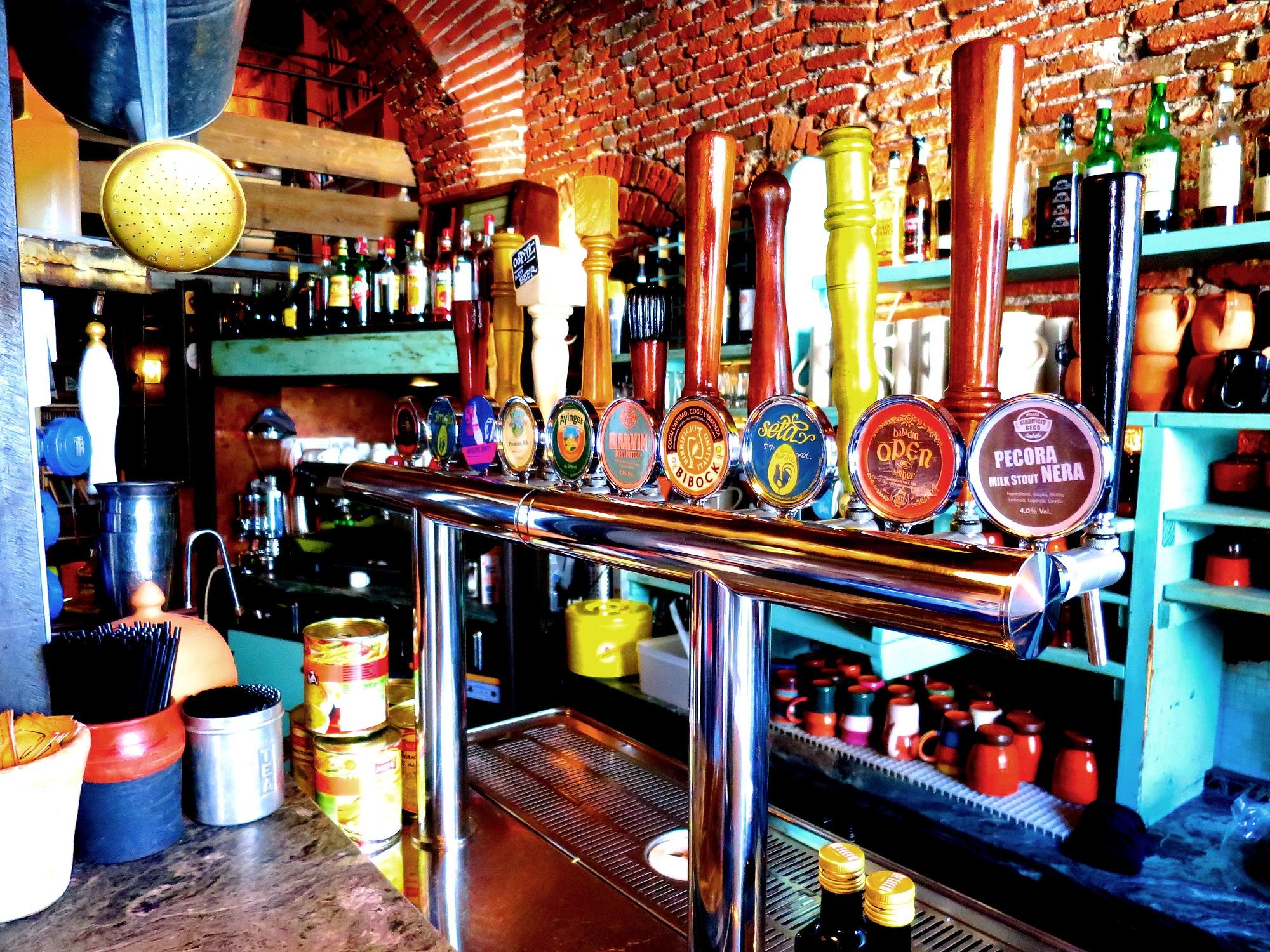 Risultati immagini per al coccio pub naviglio